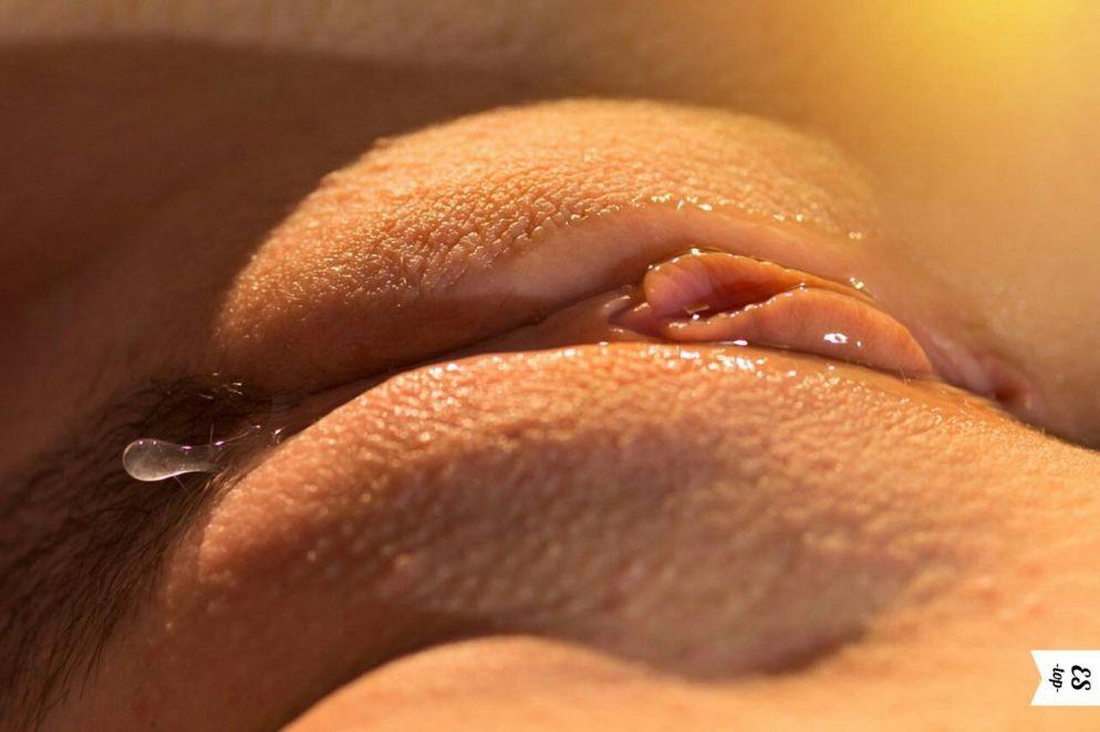мужик влажные женские киски крупным планом фото сама